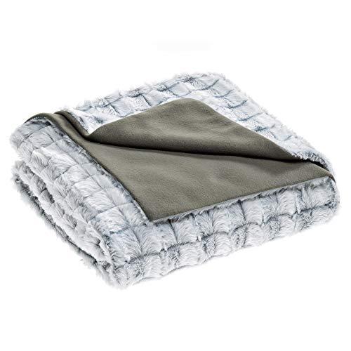 aqua-textil Masha Kuscheldecke XXL 200 x 220 cm grau Polar Fleece Tagesdecke Fellimitat Wendedecke Sofadecke TV-Decke