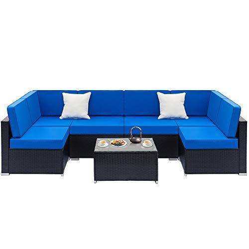 Juego de sofá de ratán totalmente equipado con material duradero para un uso prolongado.