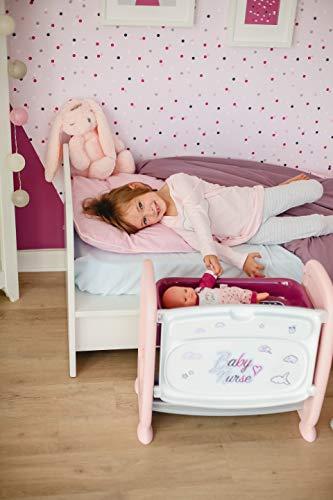Smoby Puppenbett mit viel Zubehör 2in1 Beistellbett und Wickeltisch, höhenverstellbar, mit Puppe, Töpfchen, Fläschchen, uvm. für Kinder ab 2 Jahren