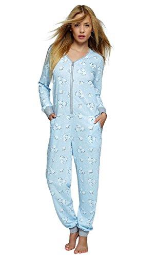 S& SENSIS Angesagter Schlafanzug-Overall/Jumpsuit (Made in EU) Onsie mit niedlichem Printmuster aus Baumwolle, Gr. 36-38, Hellblau mit Schäfchen