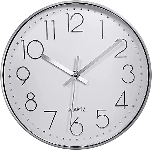 Delgeo Reloj de Pared Moderno,Grandes Decorativos Silencioso Interior Reloj de Cuarzo de Cuarzo Redondo No-Ticking para Sala de Estar,Panel Blanco Marco Plata, Funciona con Pilas,25 cm diámetro