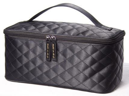 Black Cosmetic Bag by Models-on-the-Go Large Size