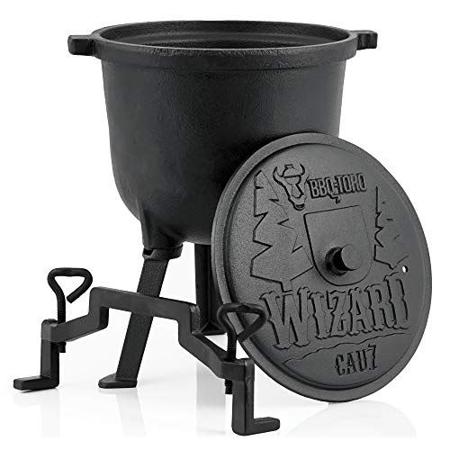 BBQ-Toro Zauberkessel Wizard | 7 Liter Kochtopf aus Gusseisen | Gusstopf mit DREI Beinen, Deckel, Bügel und Feststellschrauben | Hexenkessel
