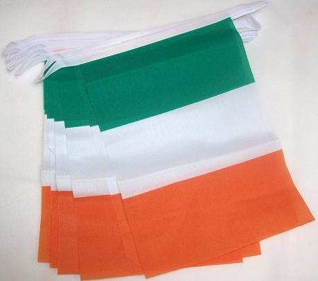 AZ FLAG FAHNENKETTE Irland 6 Meter mit 20 flaggen 21x14cm - IRISCHE Girlande Flaggenkette 14 x 21 cm