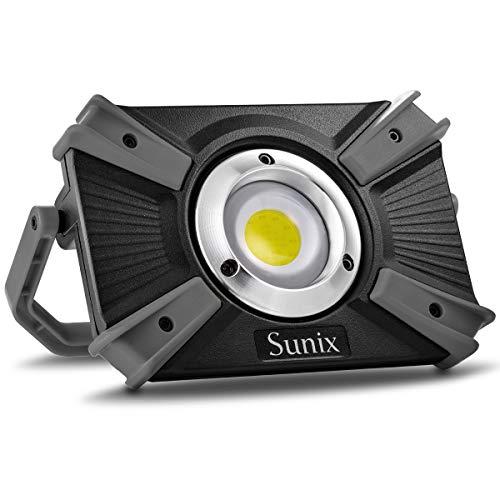 20W LED Arbeitsscheinwerfer, 1600 LM wiederaufladbar handlich mit Magnetklammerständer Kabelloses Lampe SOS-Modus Scheinwerfer Camping Notfall 2.1A Schnellladung, IP64 wasserdicht