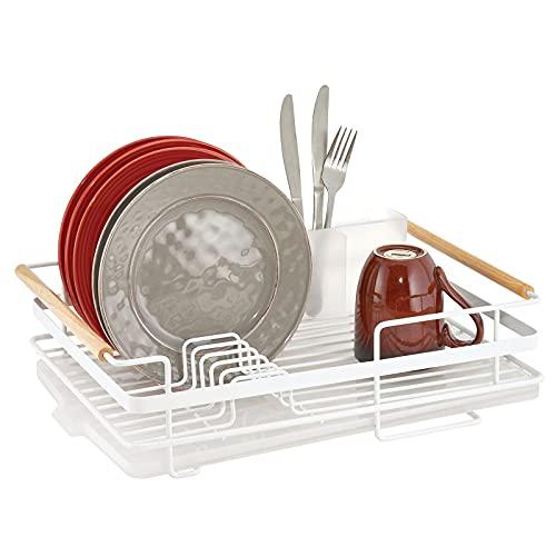 mDesign Abtropfgestell aus Metall mit Holzgriffen – Geschirrabtropfgitter mit Besteckfach und Auffangschale – Geschirr Abtropfkorb für ein Lufttrocknen auf der Arbeitsplatte – mattweiß/natur