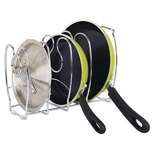 mDesign Pfannenhalter – stilvolle Küchenaufbewahrung für Pfannen – auch zur Aufbewahrung von Tellern oder Büchern geeignet – silberfarben