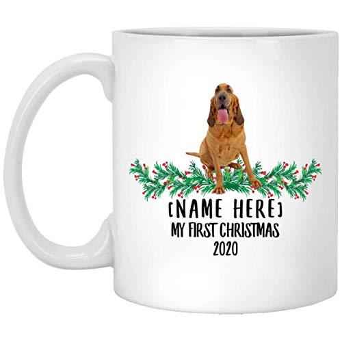 Divertido nombre personalizado Bloodhound Golden First Christmas 2020 Taza de café blanca de 11 oz