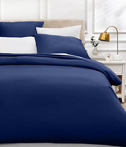AmazonBasics - Bettwäsche-Set, Fadendichte 400, Baumwollsatin, 155 x 220 cm und zwei Kissenbezügen, 80 x 80 cm, marineblau
