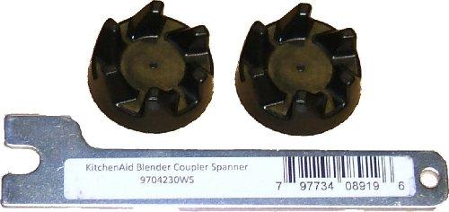 Vervanging Twee zwarte rubberen koppelingen (aKA-koppeling of -koppeling) / met een KA-steeksleutel voor het verwijderen van uw oude koppeling. voor KitchenAid Stand Blender-modellen vanaf KSB52, 5KSB52, 5KSB5B