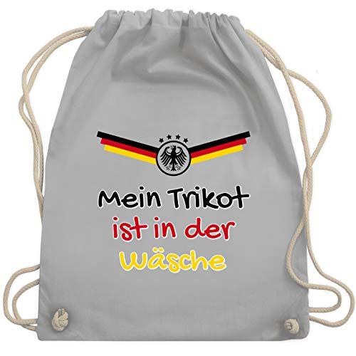 Shirtracer Fußball-Europameisterschaft 2021 - Mein Trikot ist in der Wäsche Deutschland - Unisize - Hellgrau - turnbeutel fussball blau - WM110 - Turnbeutel und Stoffbeutel aus Baumwolle