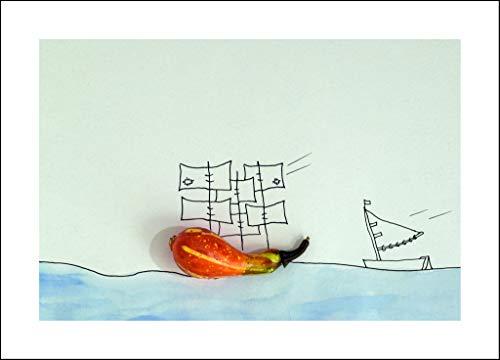 Coole schöne fröhliche Postkarte mit weißer Umrandung meiner Foto-Kunst - zum Verschicken und Verschenken von Fotografin aus Berlin | Kürbis-Boot auf hoher See an Halloween