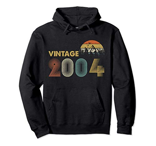 Vintage 2004 Funny 17 Year Old Boys Girls 17th Birthday Gift Pullover Hoodie