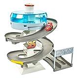 Cars 3 Playset per Mini Racers con Pista da Corsa a Spirale, Include Una Macchinina di Saetta McQueen, Giocattolo per Bambini di 4 + Anni, FYN86