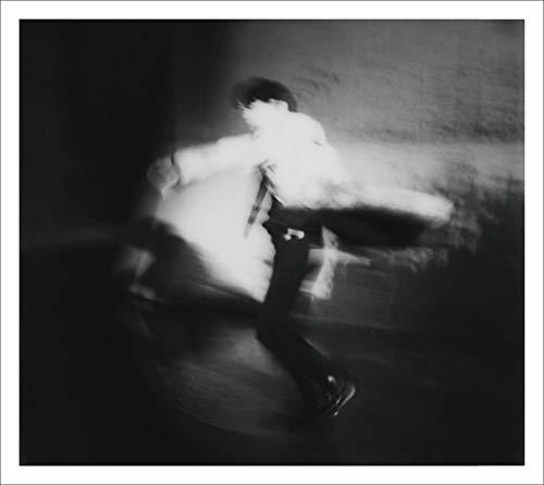 【Amazon.co.jp限定】AKIRA (初回限定「30th Anniv. バラード作品集~SLOW COLLECTION」盤)(2CD)(特典:メガジャケ・通常盤絵柄付)