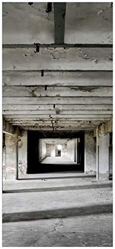 Wallario Selbstklebende Türtapete mit Schutzlaminat, Motiv: Alte Industriehalle im Kellergeschoss - einsame Lagerhalle Einer Brauerei - Größe: 93 x 205 cm in Premium-Qualität