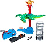Hot Wheels Air Attack Dragon Motorized Playset with Flying Nemesis, Different Sound FX Combinations, One 1:64 Scale Hot Wheels Vehicle, Gift Idea for Kids 3 Years Old & Up