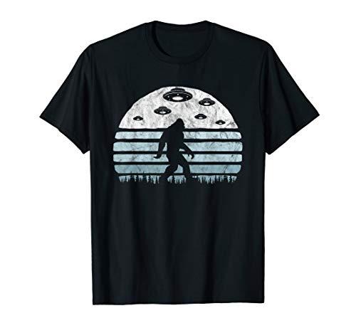 Bigfoot UFO Abduction - Vintage BELIEVE Retro Alien Graphic T-Shirt