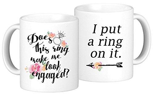 Oh, SUSANNAH Verlobungsring Kaffee Tasse Set 'Dieser Ring Make Me Look Engaged?' und 'I Put A Ring...