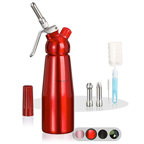 Amazy Sahnespender inkl. 3 Edelstahl Tüllen + 2 Reinigungsbürsten – Profi Sahnesyphon aus Aluminium für die Zubereitung von Schlagsahne, Creme, Mousse, Espuma & Co. (Rot | 500 ml)