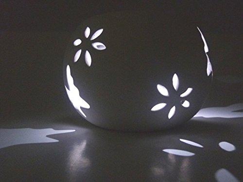 2 x LED-Solar-Windlicht Solar-Gartenleuchte Solar-Laterne mit wechselnden Lichtfarben Schmetterling/Blume weiß Keramik Solar-Tisch-Balkon-Terrasse-Rasen-Party-Dekorations-Weihnachts-Camping-Leuchte