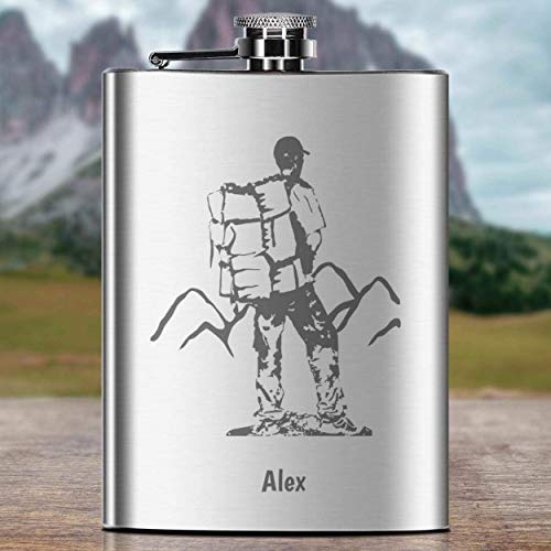 Flachmann Wanderer-Design mit Gravur | personalisierte Schnapsflasche mit Wunsch-Namen aus rostfreiem Edelstahl, Campingzubehör | Geschenk-Idee Hochzeit Geburtstag