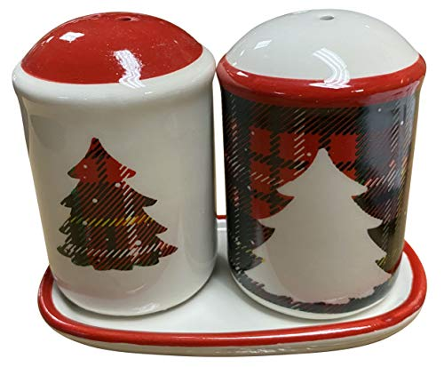 Clovers Garden Christmas Tree Ceramic Salt and Pepper Shakers Set with Matching Tray (3 Pieces) Red White Green Plaid Collectible Holiday Seasoning Shakers Vintage Farmhouse Rustic Tabletop Decor
