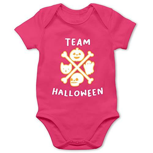 Shirtracer Halloween Baby - Team Halloween - 12/18 Monate - Fuchsia - Verkleidung Kostüm - BZ10 - Baby Body Kurzarm für Jungen und Mädchen