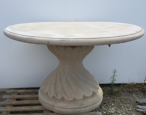 Artistica GRANILLO tafel van beton, afmetingen: diameter 120 cm, hoogte 75 cm.