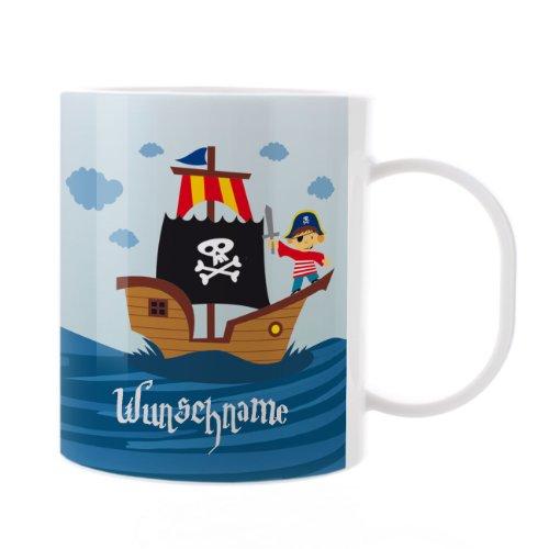 Striefchen® Kinder Tasse aus Kunststoff mit Wunschnamen - Motiv: Piratenschiff