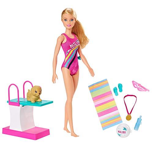 Barbie- Dreamhouse Adventures Bambola Nuotatrice in Costume con Trampolino e Cucciolo Giocattolo per Bambini 3+ Anni, GHK23