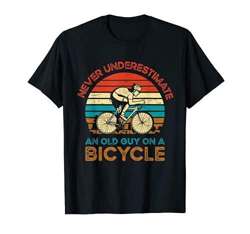 Mai sottovalutare un vecchio ragazzo su una bicicletta in bicicletta Maglietta