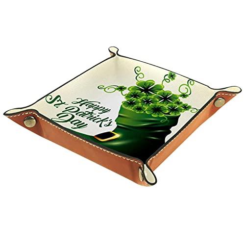 AITAI Bandeja de valet de cuero vegano, organizador de mesita de noche, placa de almacenamiento de escritorio, tréboles verdes dentro de la bota para el día de San Patricio