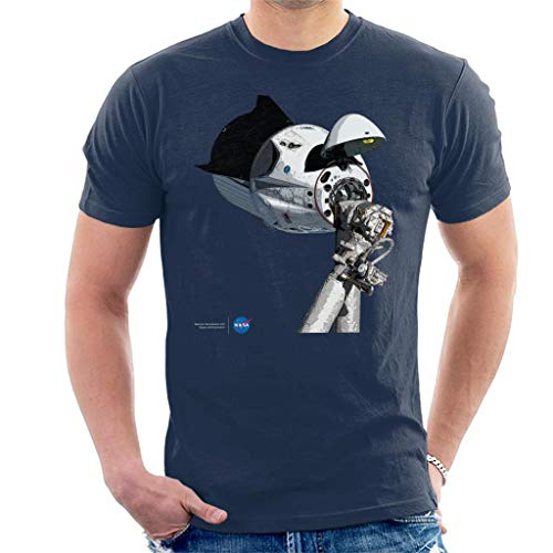 Nasa SpaceX Dragon Capsule at The ISS Men's T-Shirt