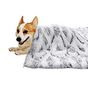 ISEAU Luxury Shag Pet Blanket Sherpa Fleece Blanket Fluffy Dog & Cat Blankets, Super Soft and Warm Puppy Throw Cover Dog Cat Fluffy Fur Blanket Reversible Double Layer Washable for Dog Bed