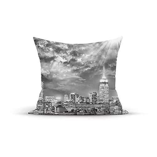 Funda de almohada decorativa vintage, dramática ciudad de Nueva York, rayos de sol, nubes, paisaje monocromático, fundas de almohada, fundas de cojín para interior y exterior, para el hogar, sofá, sof