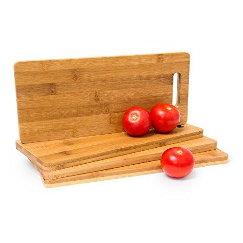 Relaxdays Lot de 4 planches à découper en bambou avec poignée anse Multi-usage rectangle Dimensions 1,5 x 35 x 15 cm, Marron