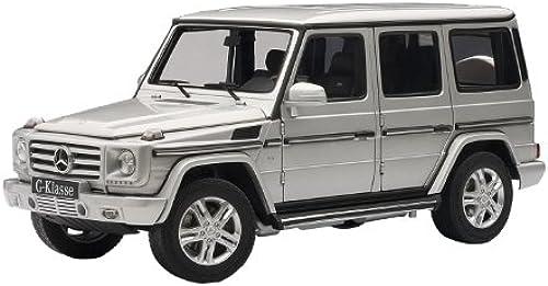 Mercedes-Benz G500 2012 Silber 1 18 Model 76217
