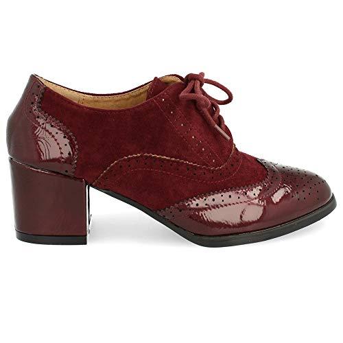 Zapato de Tacon Cuadrado con Cordones Redondos y Patron Calado Tipo Oxford. Altura del Tacon: 6 cm. Talla 40 Burdeos