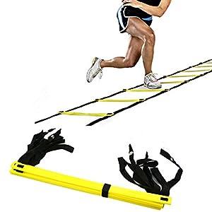 Esta escalera de agilidad es 3-3,6 m de largo, con 5-12 peldañosde plástico resistentes (sin torceduras de tobillo) para un entrenamiento de velocidad a la última. Los peldaños ajustables permiten que la escalera se mueva cuando cometas un error en ...