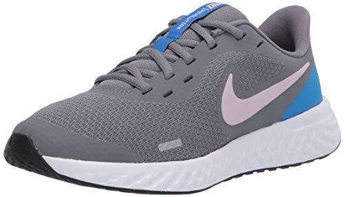 Nike Revolution 5 (GS), Zapatillas para Correr, Smoke Grey/Iced Lilac-White-Soar, 37 EU