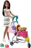 Barbie Famille Coffret poupée brune promène ses chiots, deux figurines animaux et accessoires, jouet pour enfant, GHV93