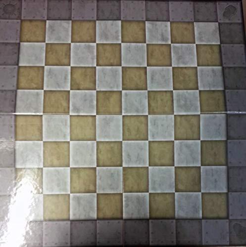 Tablero de ajedrez para la colección DC realizado en cartón 50x50 cms