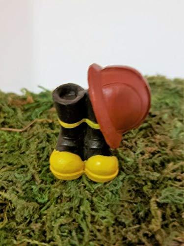 Damien Linn - Miniature Dollhouse Fairy Garden - Fireman Fighter Helmet and Boots