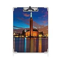 クリップボード A4 ヨーロッパ 子供の贈り物バインダー ストックホルムの市庁舎の風光明媚な夜オールドタウンエンチャントタウンスウェーデンビュー A4 タテ型 クリップファイル ワードパッド ファイルバインダー 携帯便利青いシナモンモーブ