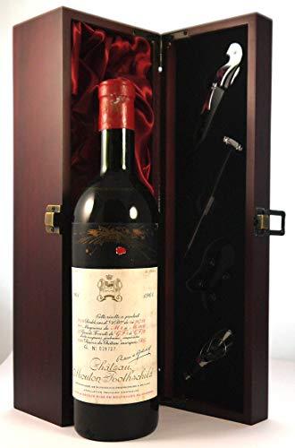 Chateau Mouton Rothschild 1961 1er Cru Grand Classe Paulliac en una caja de regalo forrada de seda con cuatro accesorios de vino, 1 x 750ml