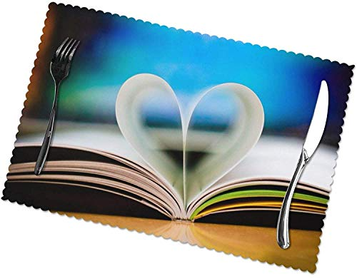 3D Love Heart Book Wallpaper Tischsets 4er-Set für 12x18 Zoll Esstisch Hitzebeständige waschbare Tischsets Polyester Dekorative Küchentischmatten und leicht zu reinigen
