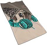 Mops-Duschvorhang-Set mit 12 Haken Mops-Welpe in einem gestrickten Handtuch Handtuch Ultraweiches, hochsaugfähiges Mehrzweck-Bad Bad Küchen-Fingerspitzentuch für Hand, Gesicht