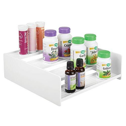 mDesign Sistema de almacenaje multiusos – Perfecto como caja para medicamentos o para organizar vitaminas y suplementos – Estante en escalera de plástico con 4 niveles – blanco