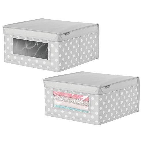 mDesign Juego de 2 Cajas organizadoras de Tela de Lunares – Caja de almacenaje apilable para ordenar armarios, Ropa o Accesorios de bebé – Organizador de armarios con Tapa y ventanilla – Gris/Blanco